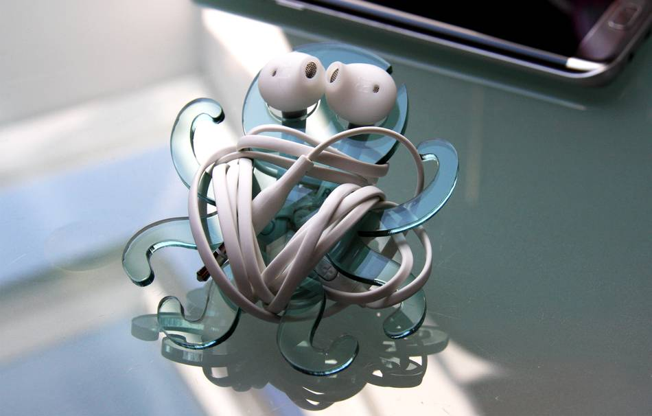 Octopus cable holder