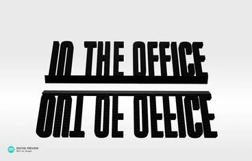 Out/In the office - Plastic shiny & sturdy black