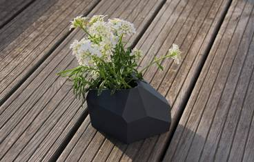 Planter modern shape